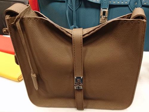 ナガタニの鞄