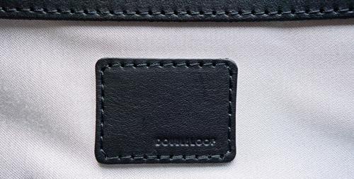 バッグの飾り・ブランドロゴ