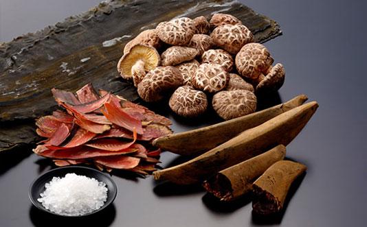 七福醸造「四季の彩 白だし」の原材料